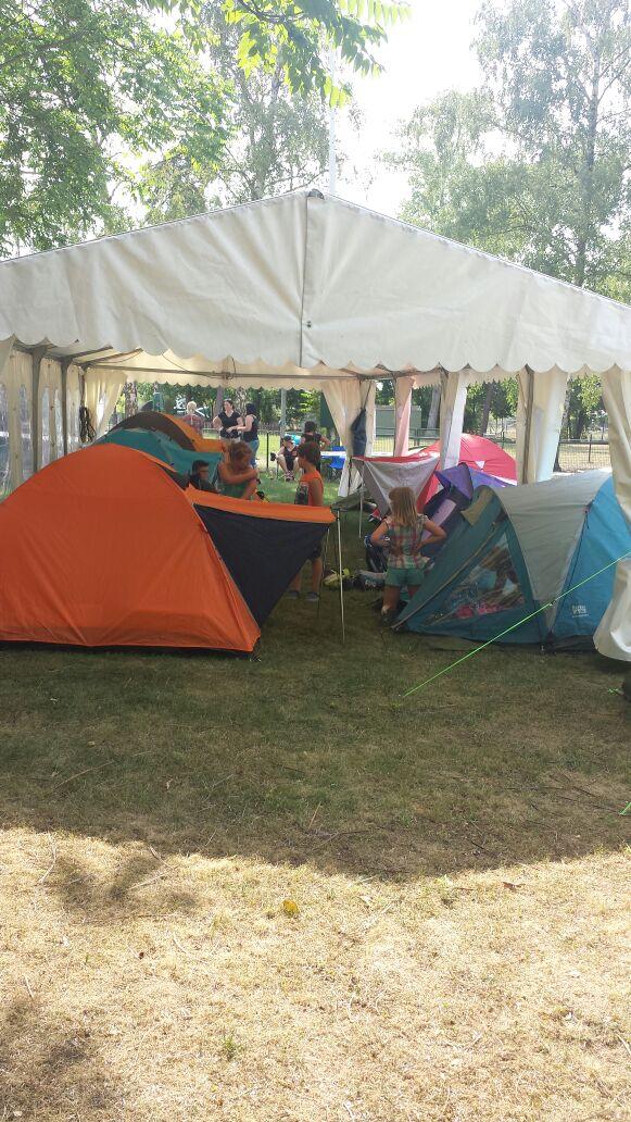 Jugend Zelten